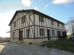 Ferme Auberge on 15 Ha