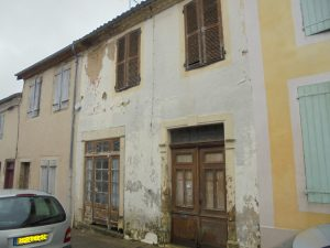 House to renovate in center of medieval and touristic village
