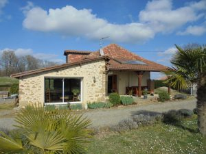 Renovated maison de campagne, 4 bed rooms